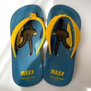 Youth Reef Sandals size 2/3